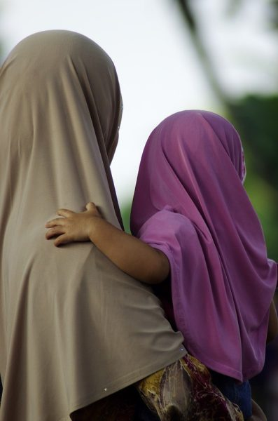 Hijab-397x600 旅行ハウツー
